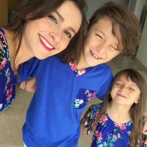 Coordinado familia Azul eléctrico con estampado